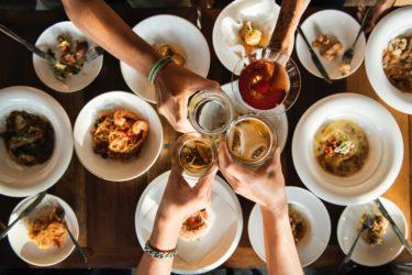 外国でホームパーティ! 何を作れば良い?外国人に喜ばれた日本食5選