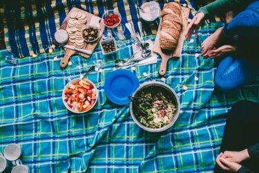 子連れでピクニック!シートやお弁当箱、持ち物にこだわって楽しもう!