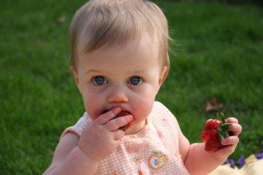 赤ちゃんのお食事用スタイはシリコン製が便利!おすすめ10選を紹介