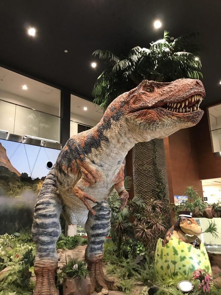 エントランスの恐竜